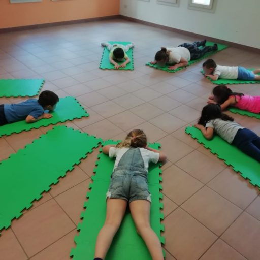 Laboratorio di yoga per bambini